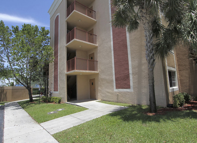 Colonial Park Apartments - Affordable Housing