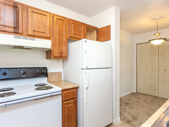 Colony Lakes Apartments - Affordable Housing