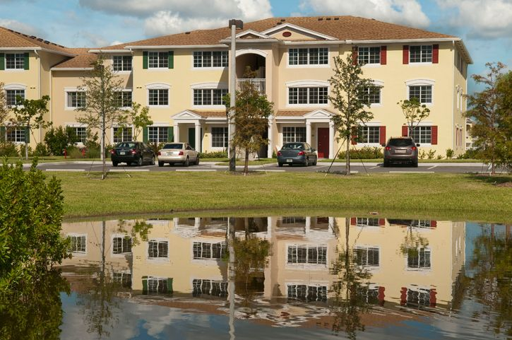 Golden Square Apartments Pompano Beach