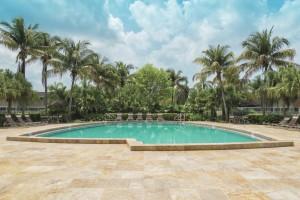 Royal Coast Apartments - Affordable
