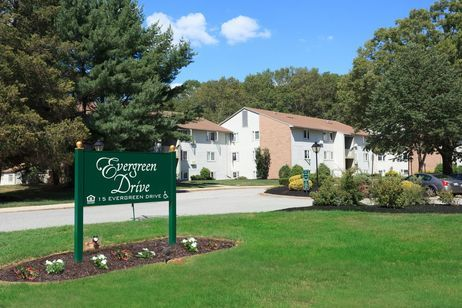 Evergreen Drive Apartments