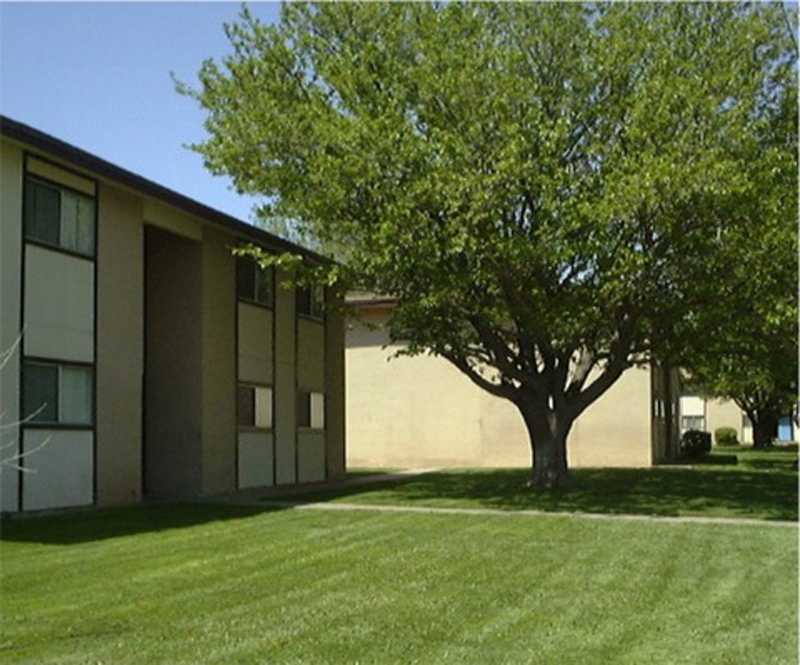 Clovis I & II Apartments - Affordable Community, 1000 N Dr