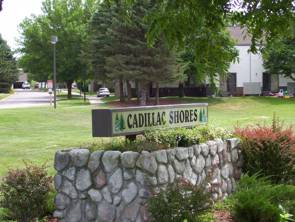 Cadillac Shores Apartments