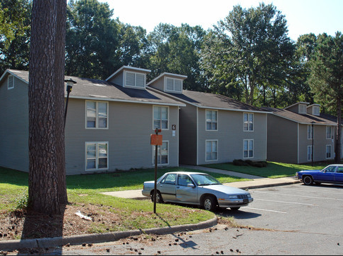 Oakridge Apartments - Affordable Community
