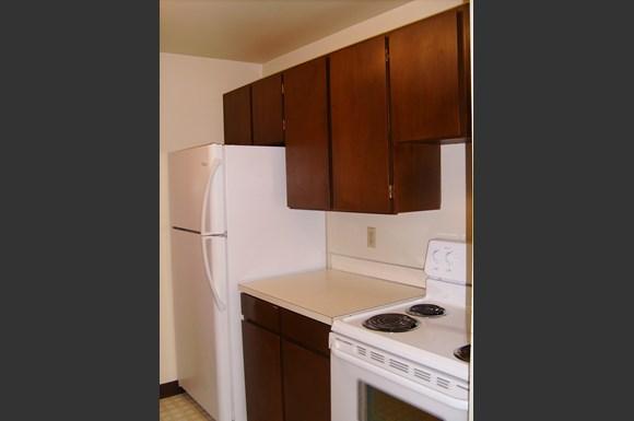 Aldercrest Apartments