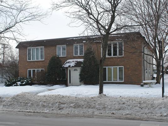 Kelly Apartments