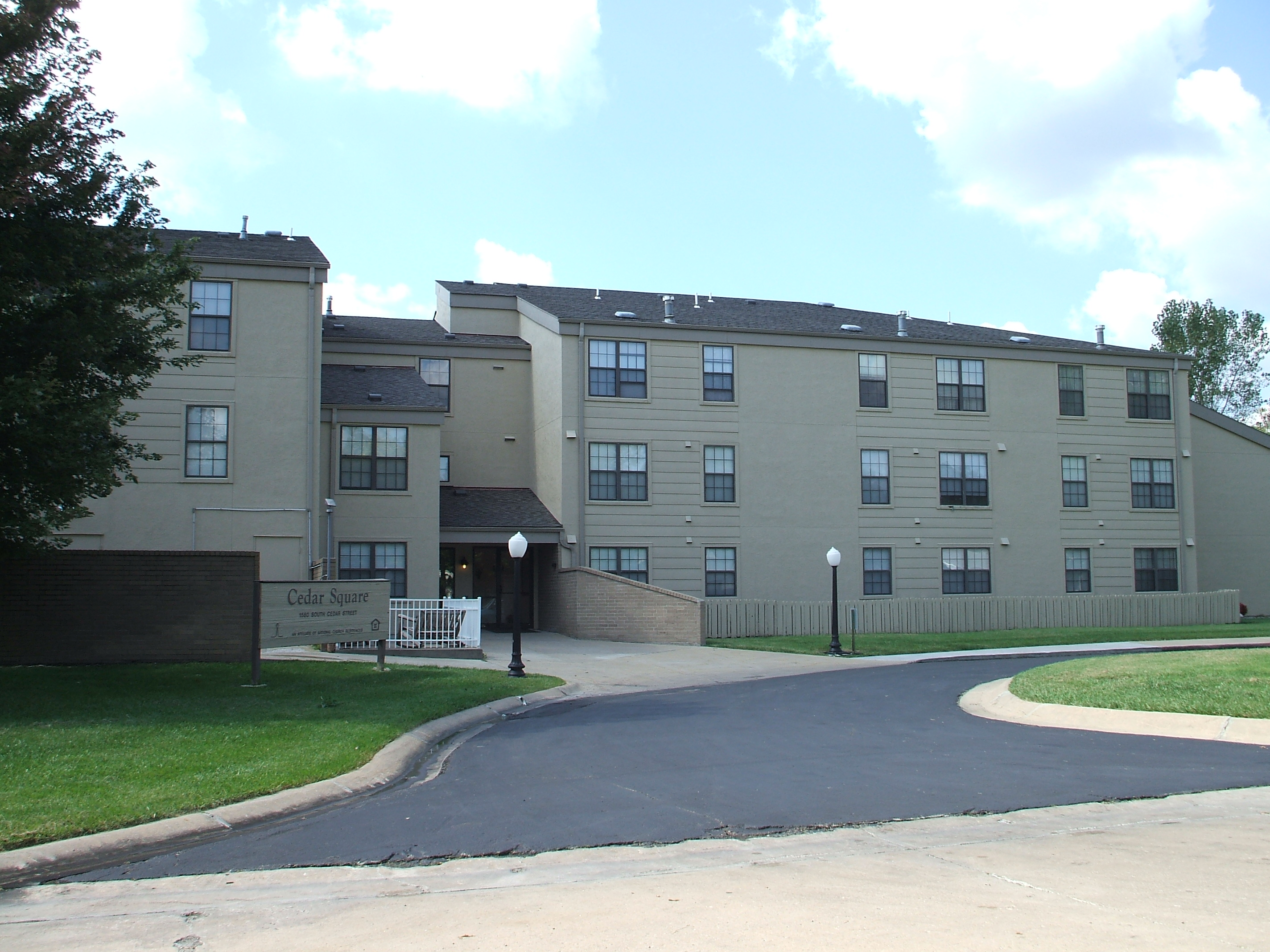 Cedar Square Senior Apartments - Affordable Housing, 1550 ...