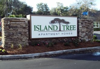 Island Tree Apartments