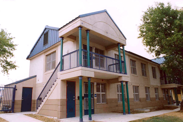 Alazan Apache Courts Apartments