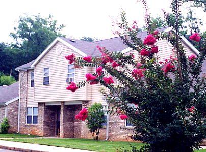 Laurel Oaks Greensboro Public Housing Apartments