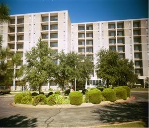 Lakeland Manor - Dallas Low Rent Public Housing Apartments