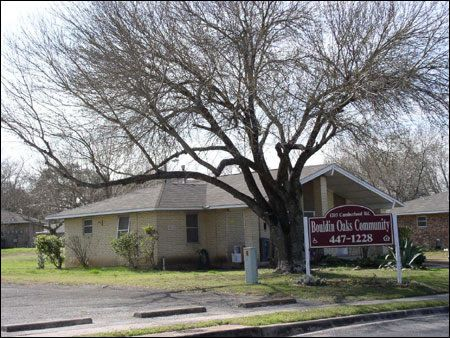 Bouldin Oaks - Austin Low Rent Public Housing Apartments