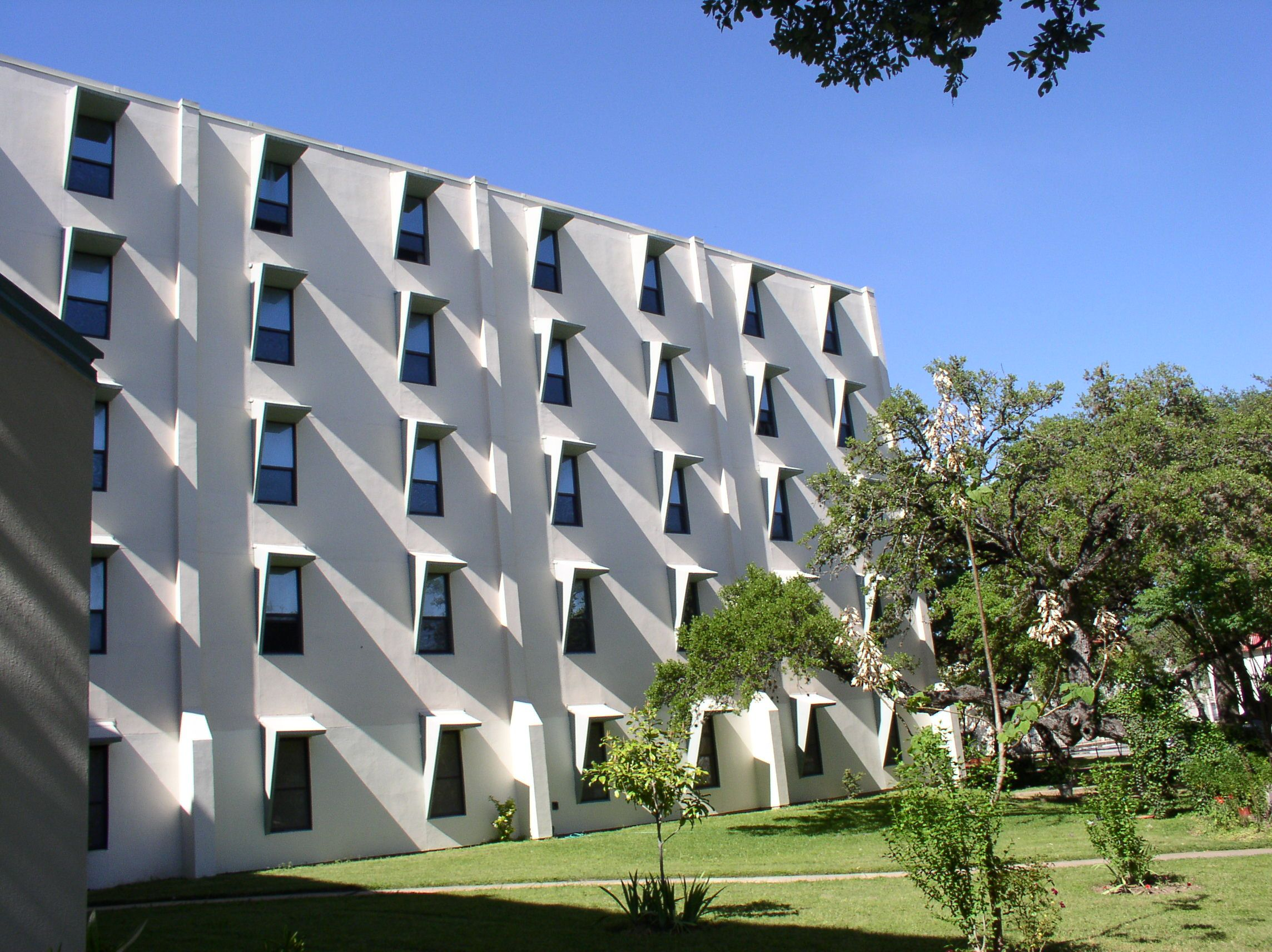 North Loop - Austin Low Rent Public Housing Apartments