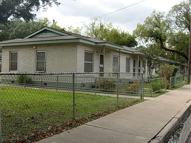 Santa Rita Courts - Austin Low Rent Public Housing Apartments