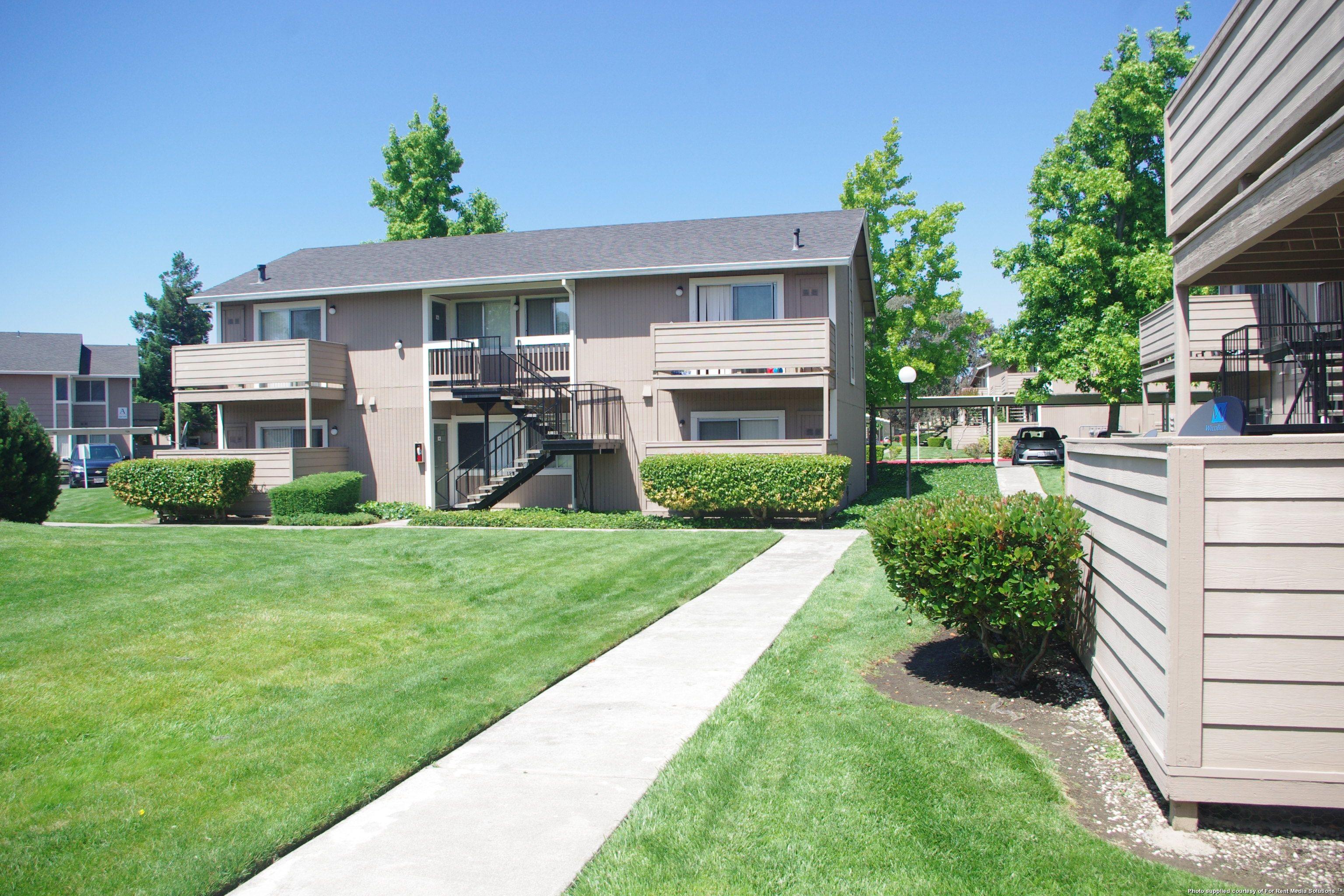 Woodside Court Apartments 555 Alaska Ave Fairfield Ca