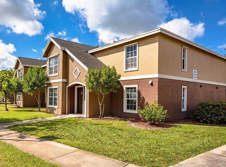 Regency Gardens Apartments - FL