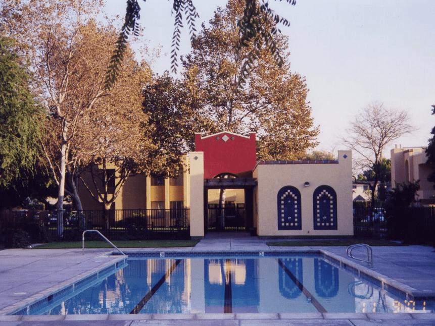 Monte Alban Apartments