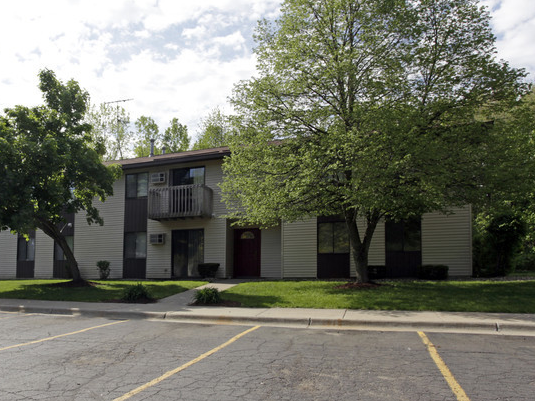 Lake Wind Apartments - Low Income