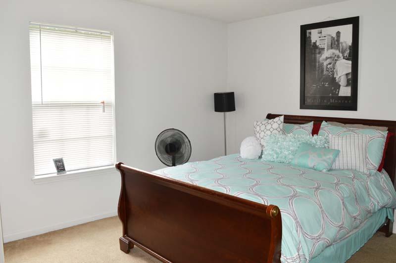 Hillcrest Apartments - Low Income