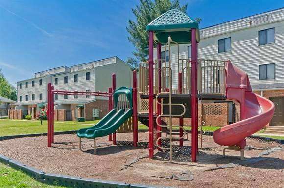 Rolling Hills Apartments - Low Income