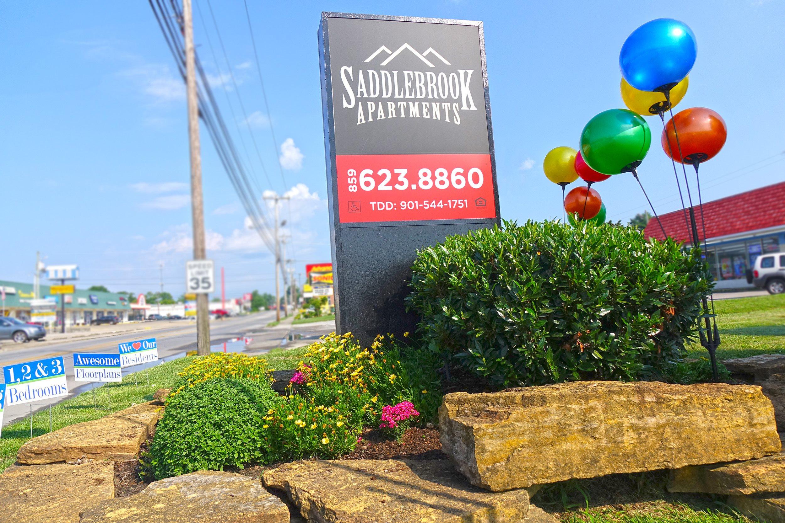 Saddlebrook Apartments Low Income 633 Big Hill Avenue Richmond Ky 40475 Publichousing Com