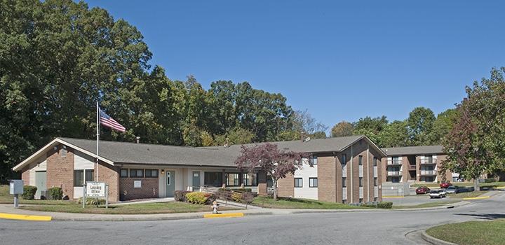 Oak Park Apartments - Affordable Housing